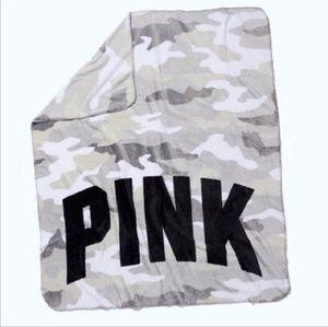 Nwt Victoria's Secret Pink Camo Fleece Blanket